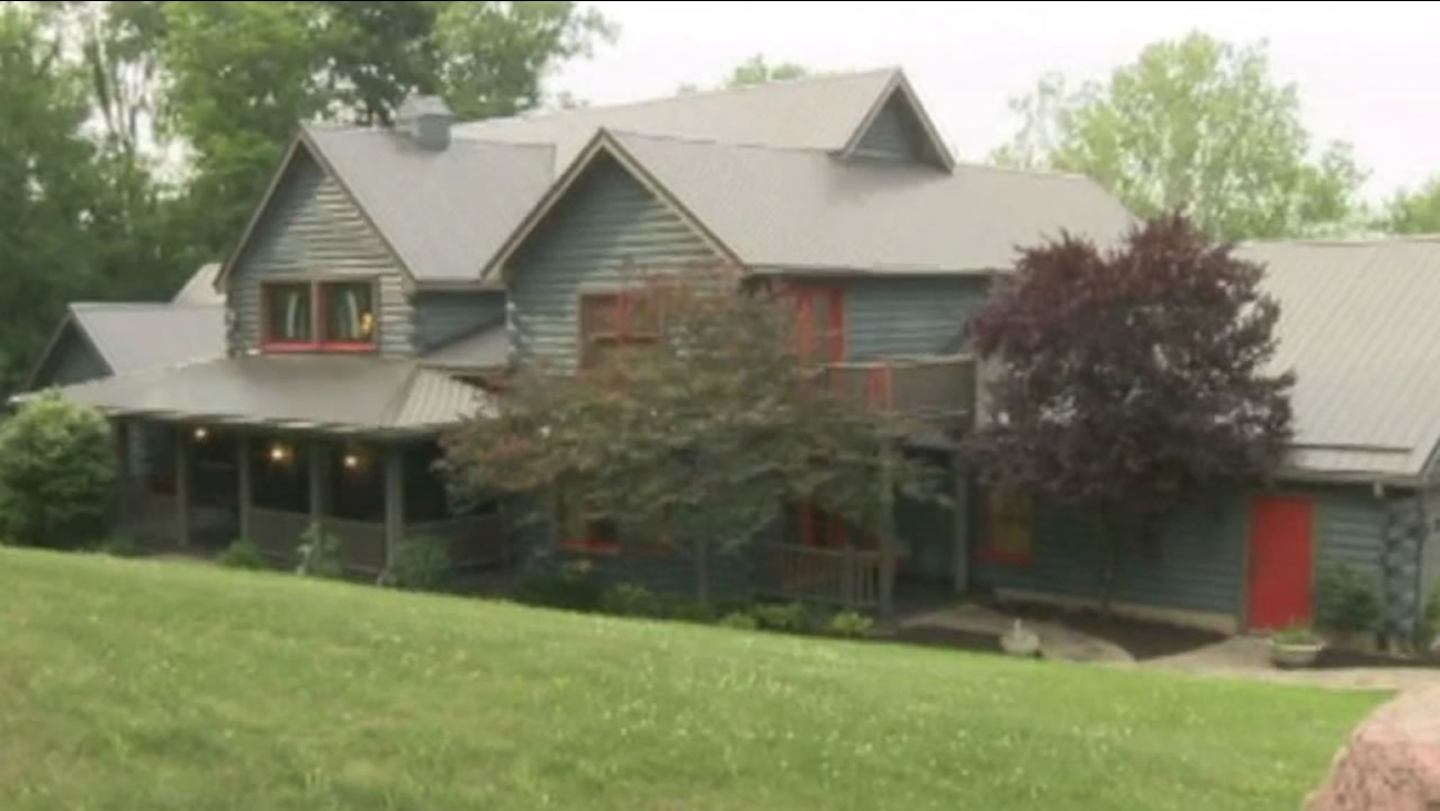 An Indiana couple is holding an essay contest, with the prize being their luxury Indiana home.