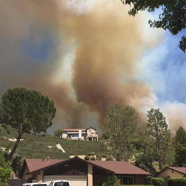"<div class=""meta image-caption""><div class=""origin-logo origin-image kabc""><span>KABC</span></div><span class=""caption-text"">ABC7 viewer Josie Gonzalez (@Josiee_gon) sent us this photo of the Calgrove Fire burning in Santa Clarita Wednesday, June 24, 2015. (https://twitter.com/Josiee_gon)</span></div>"
