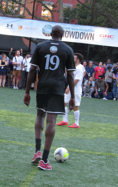 "<div class=""meta image-caption""><div class=""origin-logo origin-image none""><span>none</span></div><span class=""caption-text"">Several professional soccer players and NBA stars participated in a soccer friendly exhibition to benefit the Steve Nash Foundation on Wednesday. (Photo/Steven Rodas)</span></div>"