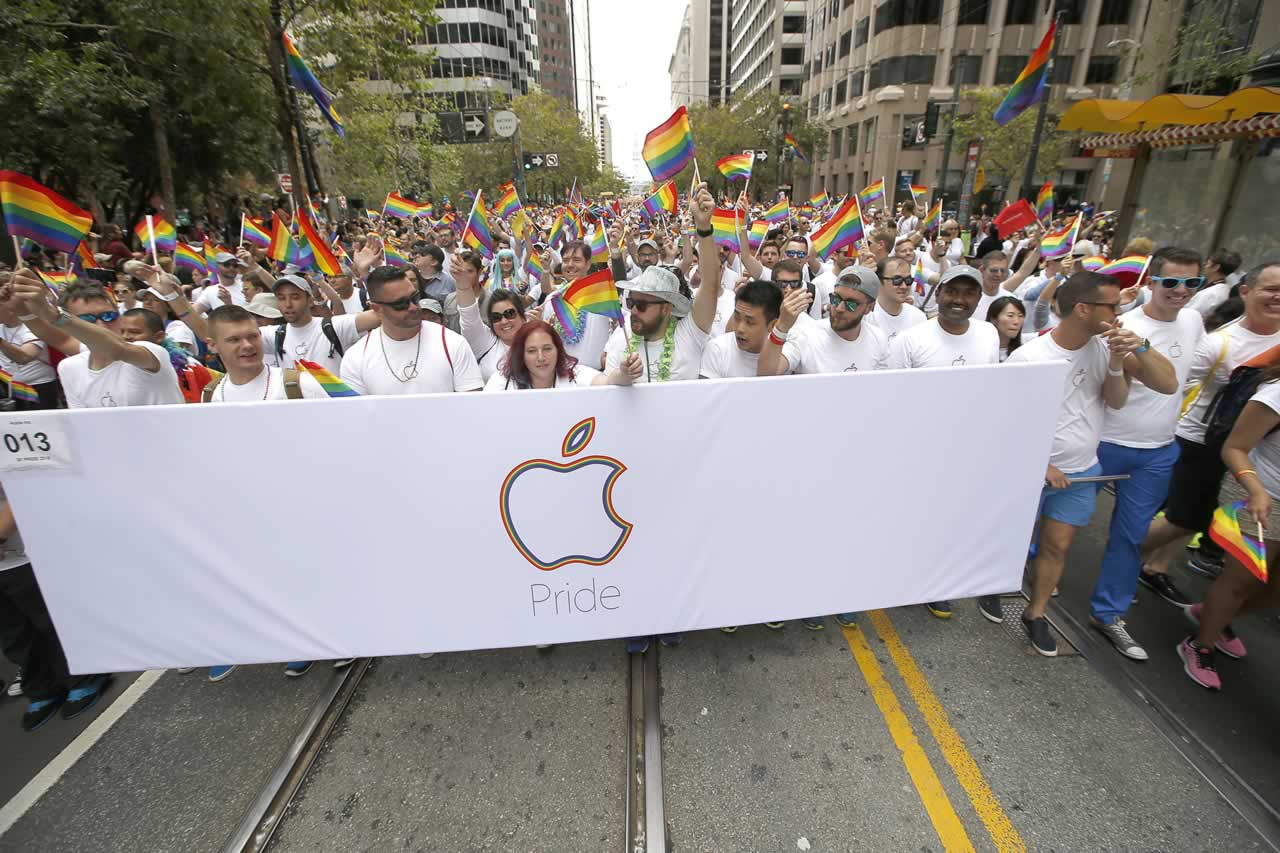 "<div class=""meta image-caption""><div class=""origin-logo origin-image none""><span>none</span></div><span class=""caption-text"">Apple employees and family members march during the 45th annual San Francisco Gay Pride parade Sunday, June 28, 2015, in San Francisco. (AP Photo/ Tony Avelar)</span></div>"