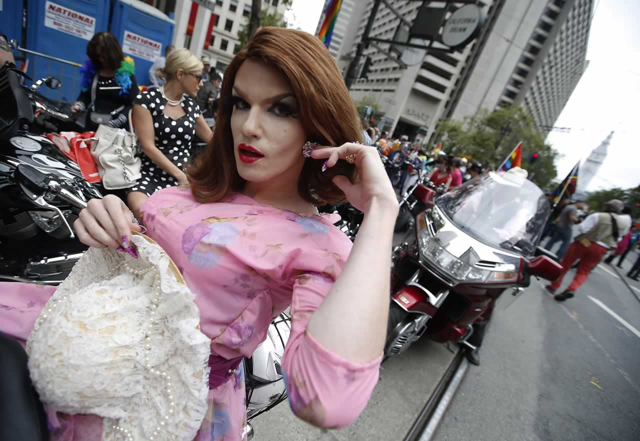 "<div class=""meta image-caption""><div class=""origin-logo origin-image none""><span>none</span></div><span class=""caption-text"">Members of the Dykes on Bikes motorcycle group lead off the 45th annual San Francisco Gay Pride parade Sunday, June 28, 2015, in San Francisco. (AP Photo/ Tony Avelar)</span></div>"