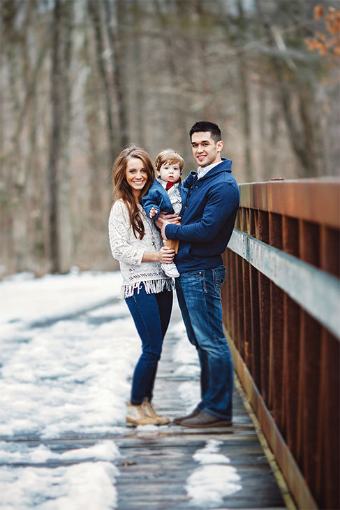"""<div class=""""meta image-caption""""><div class=""""origin-logo origin-image none""""><span>none</span></div><span class=""""caption-text"""">When Adam Blum wanted to pop the question to his girlfriend, Hannah Roach, in March of this year, he got big help from the tiniest wingman: the couple's 13-month-old son, Jace. (Lindsay Blum, Gilded Light Photography)</span></div>"""