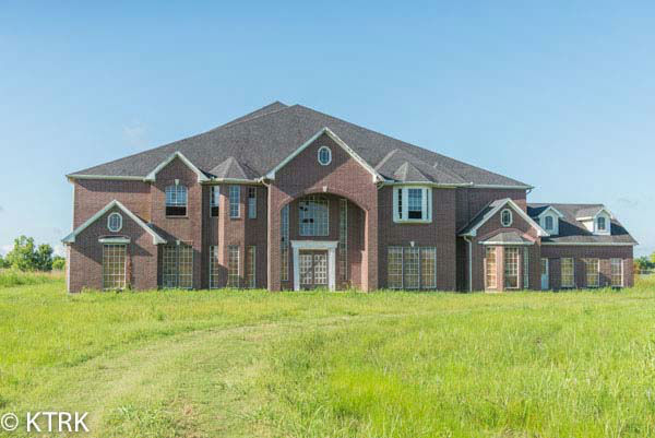 Photos Giant 60 175 Sq Ft Home Now On The Market In Manvel