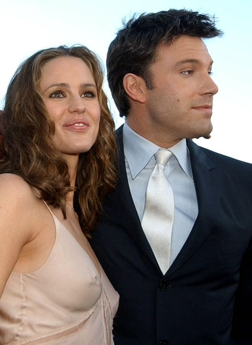 "<div class=""meta image-caption""><div class=""origin-logo origin-image none""><span>none</span></div><span class=""caption-text"">In this Feb. 9, 2003 file photo, actors Jennifer Garner, left, and Ben Affleck pose at the premiere of their film, ""Daredevil,"" in Los Angeles. (AP Photo/ Chris Pizzello)</span></div>"
