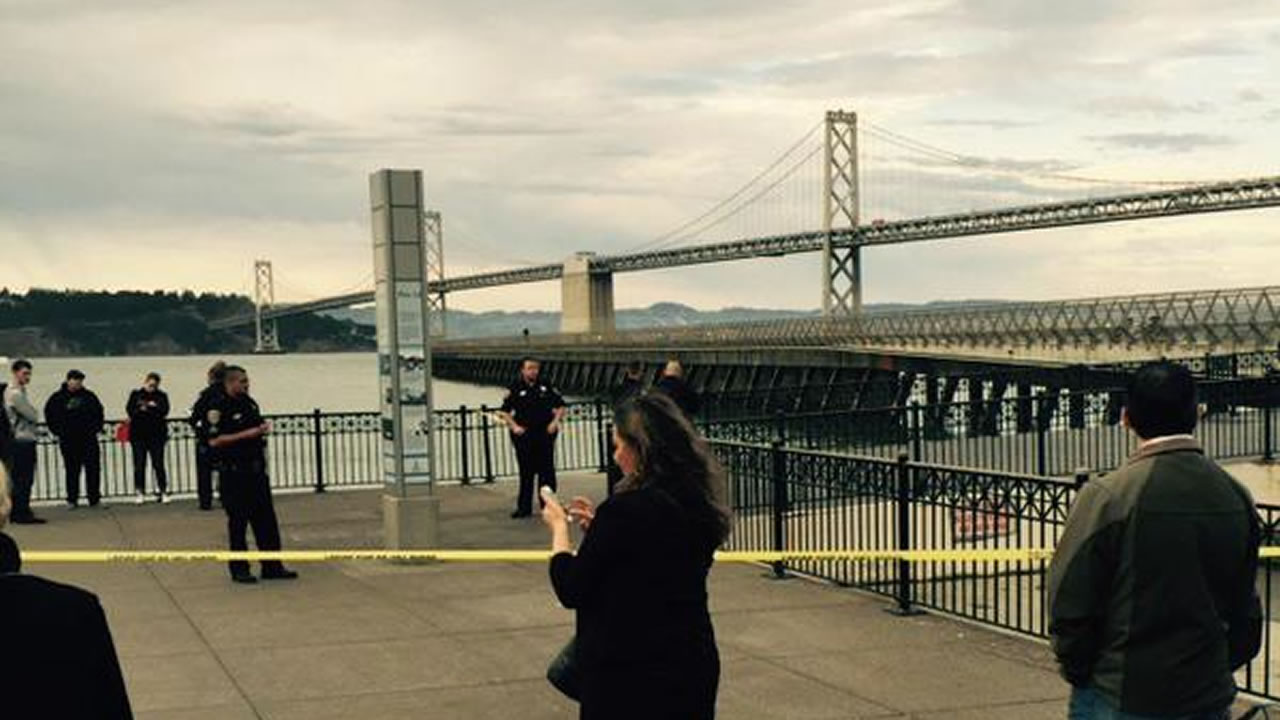 San Francisco police block off the scene of a shooting at Pier 41 near the Ferry Building, July 1, 2015.