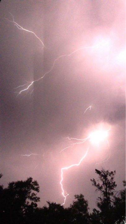 "<div class=""meta image-caption""><div class=""origin-logo origin-image none""><span>none</span></div><span class=""caption-text"">Lightning and weather on July 1, 2015 (Photo/#ac30insider)</span></div>"