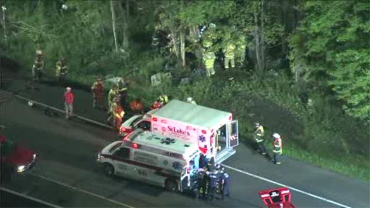 4 injured in crash in Bucks County