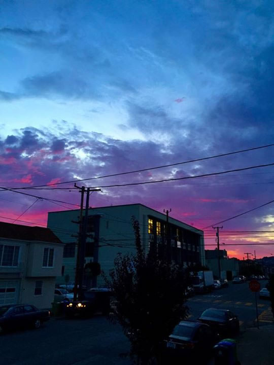 "<div class=""meta image-caption""><div class=""origin-logo origin-image none""><span>none</span></div><span class=""caption-text"">This beautiful sunset was spotted in San Francisco, Calif. on July 1, 2015. (Photo submitted to KGO-TV by Happy Gonzalez/Facebook)</span></div>"