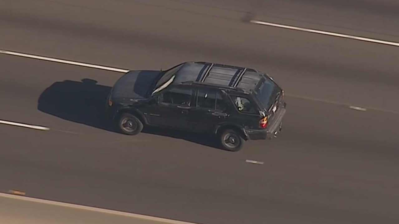 A suspect wanted for reckless driving led California Highway Patrol on a high-speed chase from Calabasas to the Mid-City area of Los Angeles Friday, July 3, 2015.