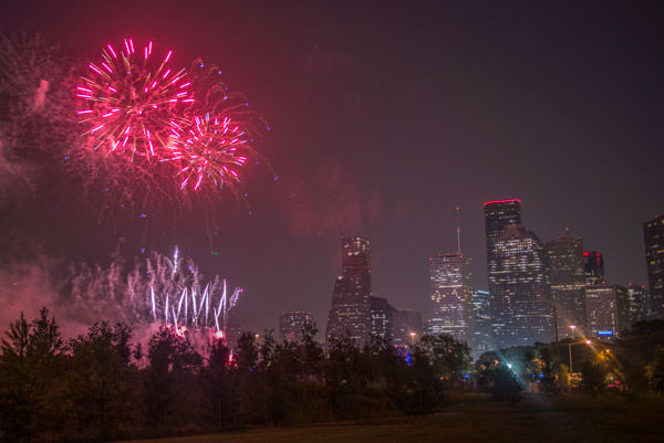 """<div class=""""meta image-caption""""><div class=""""origin-logo origin-image none""""><span>none</span></div><span class=""""caption-text"""">Photos of fireworks from Southwest Airlines Freedom over Texas, Saturday, July 4, at Eleanor Tinsley Park (Photo/David Mackey)</span></div>"""