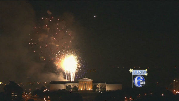 "<div class=""meta image-caption""><div class=""origin-logo origin-image none""><span>none</span></div><span class=""caption-text"">The Philly 4th of July Jam 2015 ended with a bang as fireworks lit up the night sky. (WPVI Photo)</span></div>"