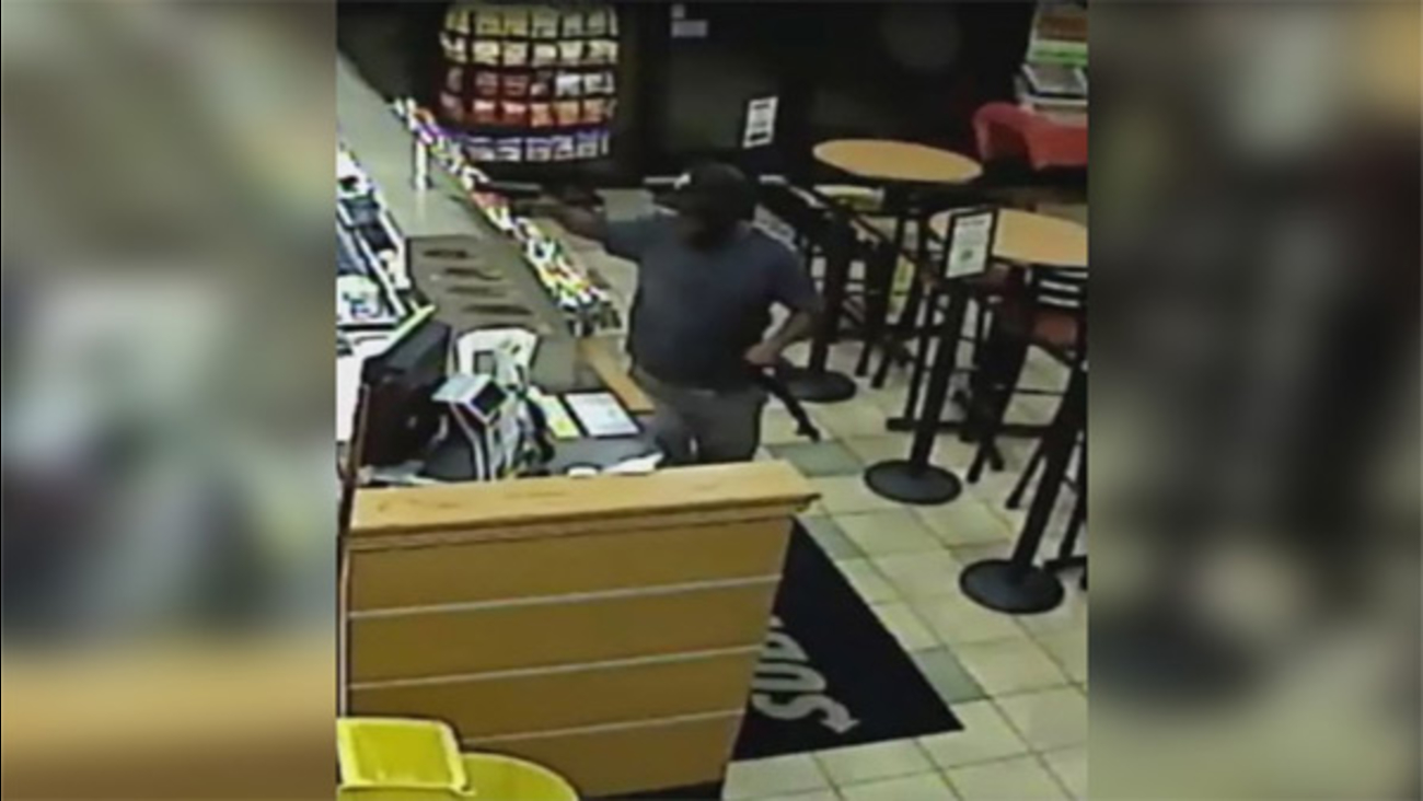 Armed thief targets Subway restaurant in Northern Liberties