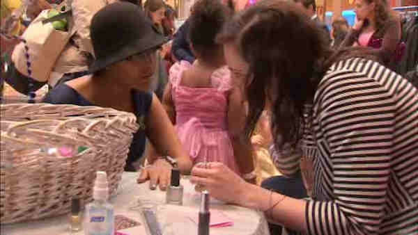 "<div class=""meta image-caption""><div class=""origin-logo origin-image ""><span></span></div><span class=""caption-text"">Sloan Kettering held a prom for patients in their pediatric unit.</span></div>"