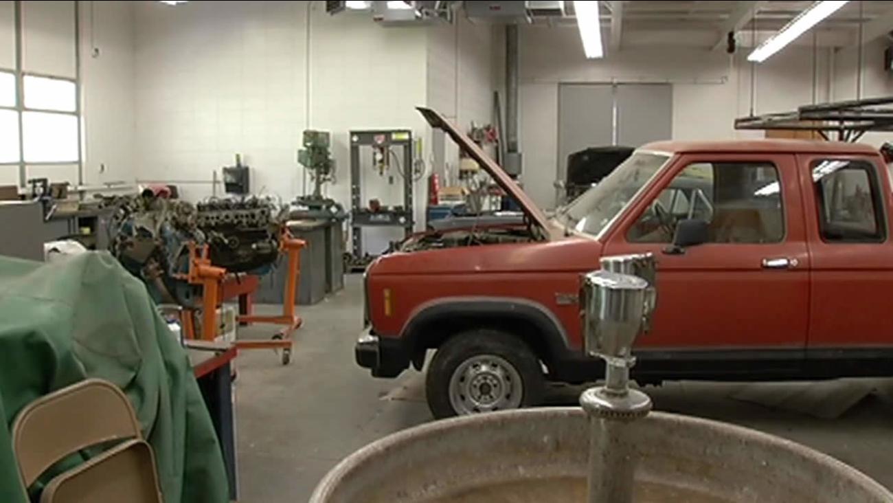 auto shop program at El Camino High School
