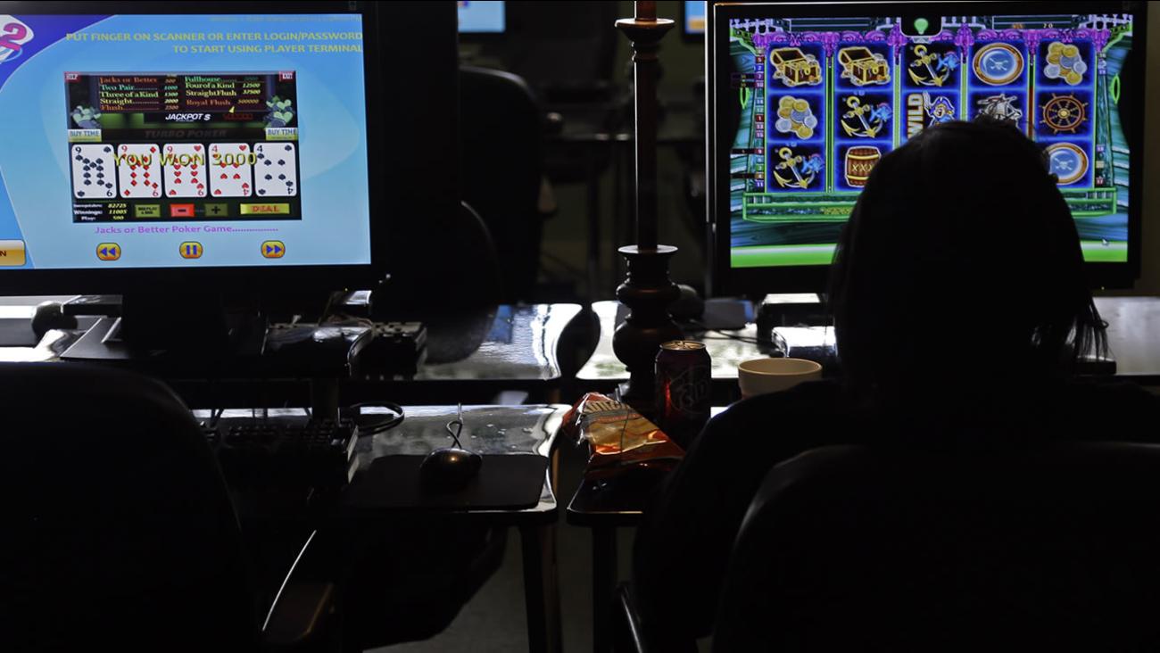 A North Carolina internet sweepstakes cafe (AP photo/Gerry Broome)