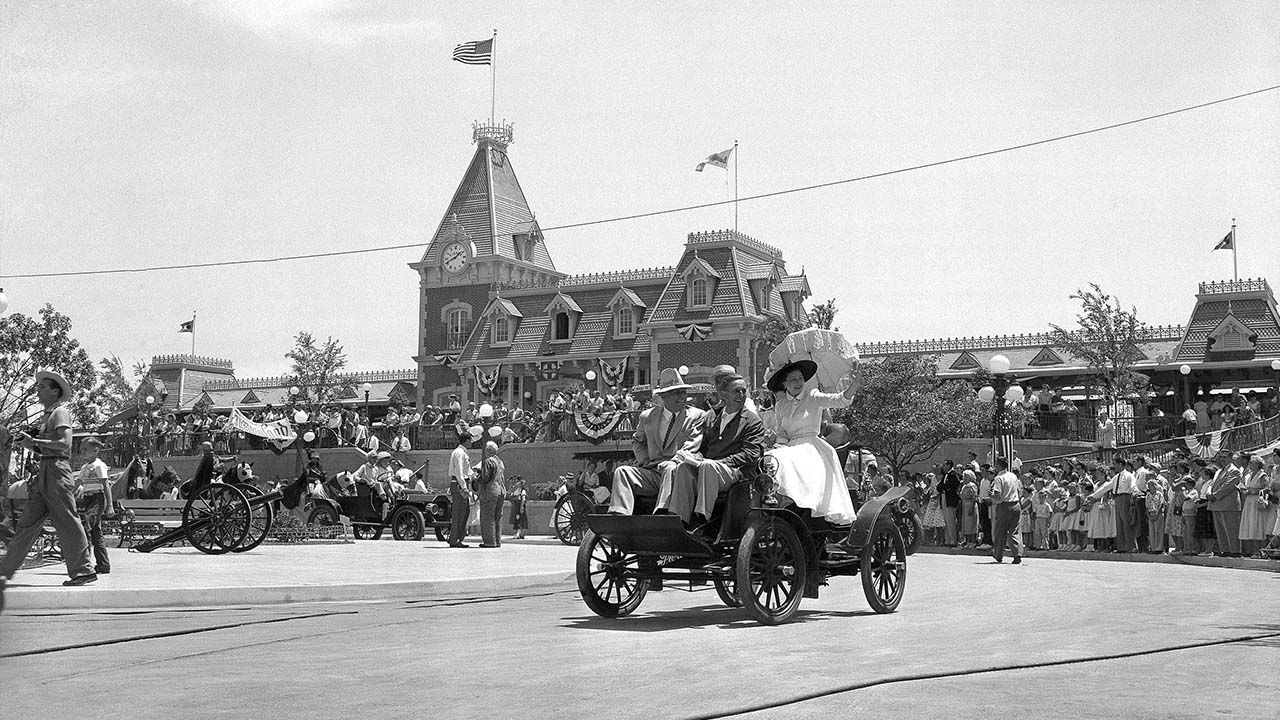 See What Disneyland Looked Like On Opening Day On July 17 1955