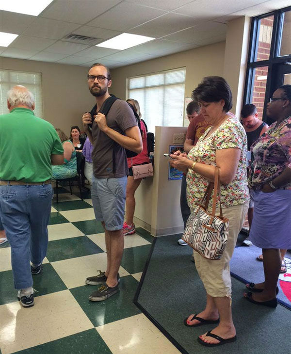 """<div class=""""meta image-caption""""><div class=""""origin-logo origin-image none""""><span>none</span></div><span class=""""caption-text"""">People lining up to donate blood following the shooting. (@boyd_gabrielle/Twitter)</span></div>"""