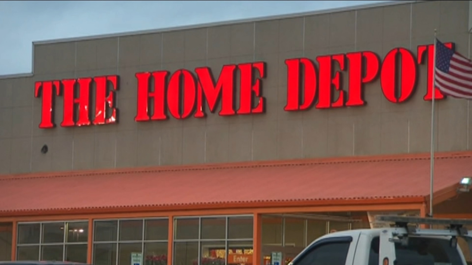 The Home Depot Is Expanding Its Home Decor Line Right In Time For Holidays Abc11 Raleigh Durham