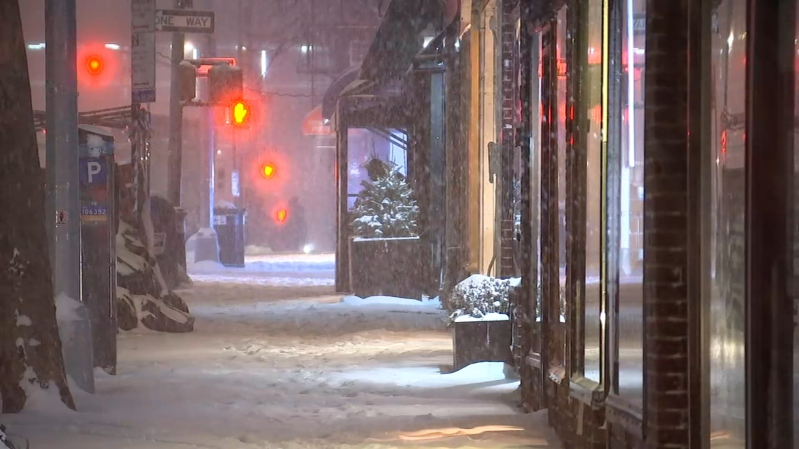 New York City snow: City looking at biggest snowfall in years, outdoor dining shuttered - ABC7 New York
