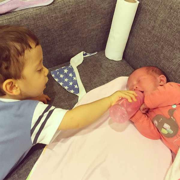 "<div class=""meta image-caption""><div class=""origin-logo origin-image none""><span>none</span></div><span class=""caption-text"">Lake says Alvaro and baby Carmen are very happy children. (Twogaypapas/Instagram)</span></div>"