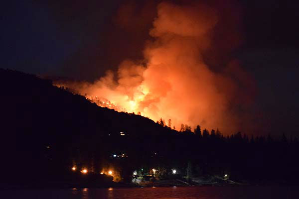 "<div class=""meta image-caption""><div class=""origin-logo origin-image none""><span>none</span></div><span class=""caption-text"">Photo of Willow fire taken from a boat on the water at Bass Lake, around 10:30PM, 7/28/15 (Marc Azcona)</span></div>"