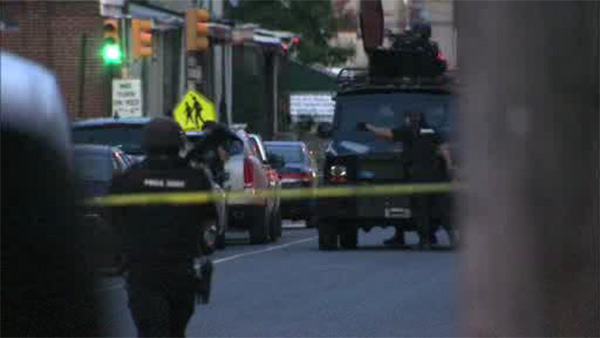 Man arrested in barricade situation in Strawberry Mansion