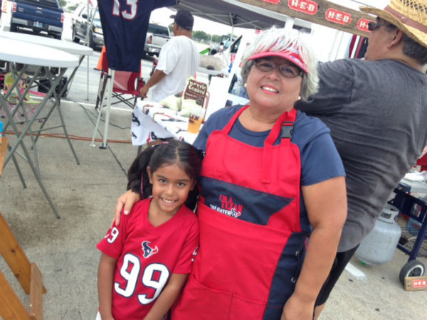 "<div class=""meta image-caption""><div class=""origin-logo origin-image none""><span>none</span></div><span class=""caption-text"">Houston Texans fans turn out in droves for 'Hard Knocks' Day at Texans training camp (KTRK/Kevin Quinn)</span></div>"