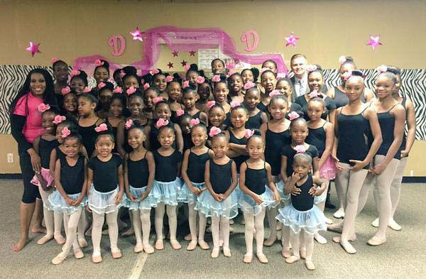 "<div class=""meta image-caption""><div class=""origin-logo origin-image none""><span>none</span></div><span class=""caption-text"">Steve Campion spent the morning with these ballerinas in Missouri City (KTRK Photo)</span></div>"