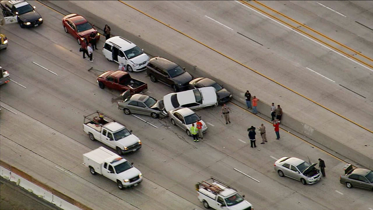 At least 12 cars involved in massive pileup on WB 91 Freeway