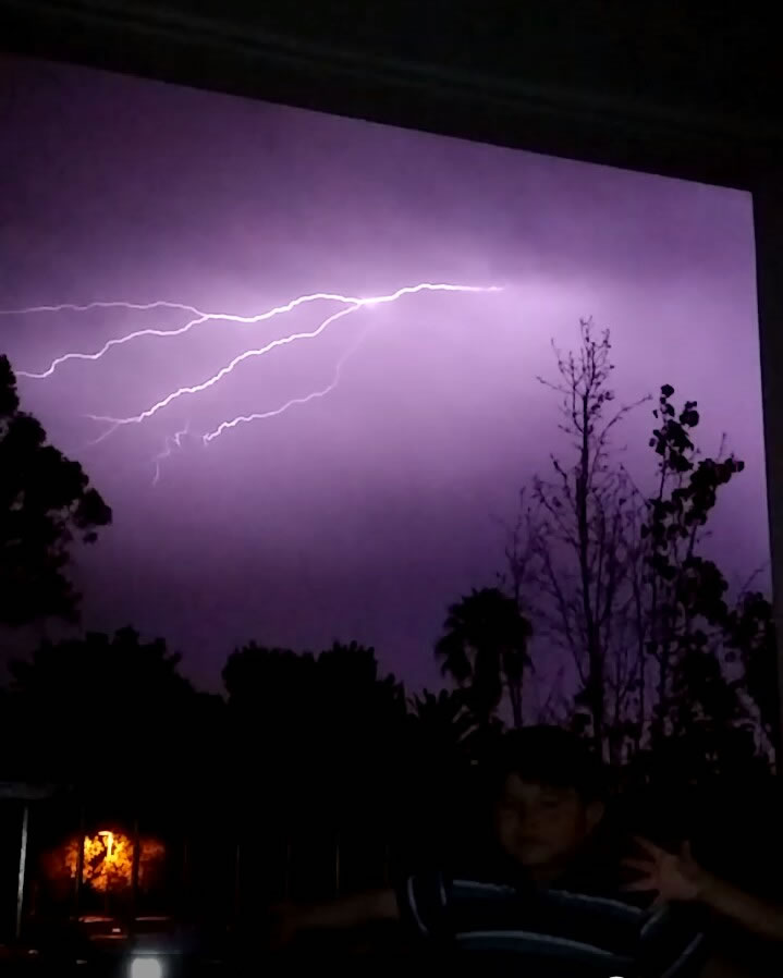 "<div class=""meta image-caption""><div class=""origin-logo origin-image none""><span>none</span></div><span class=""caption-text"">Hundreds of lightning strikes lit up the sky all across the Bay Area on Thursday, August 6, 2015. (Photo submitted to KGO-TV by Cachetitos M/Facebook)</span></div>"