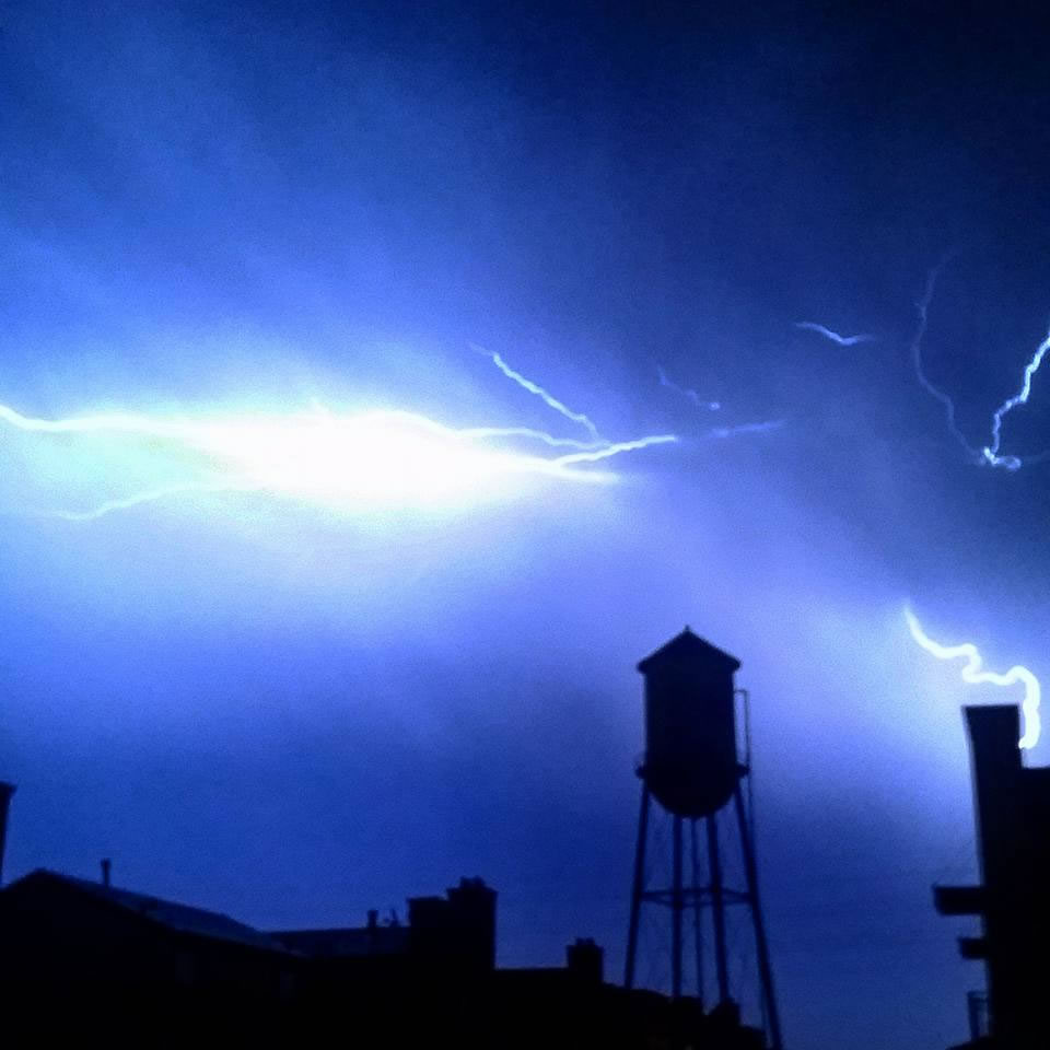 "<div class=""meta image-caption""><div class=""origin-logo origin-image none""><span>none</span></div><span class=""caption-text"">Hundreds of lightning strikes lit up the sky all across the Bay Area on Thursday, August 6, 2015. (Photo submitted to KGO-TV by Andrew S/Facebook)</span></div>"