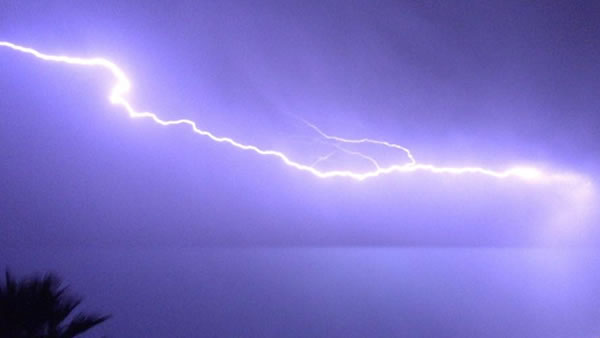 "<div class=""meta image-caption""><div class=""origin-logo origin-image none""><span>none</span></div><span class=""caption-text"">Hundreds of lightning strikes lit up the sky all across the Bay Area on Thursday, August 6, 2015. (Photo submitted to KGO-TV by Tracy D/Facebook)</span></div>"