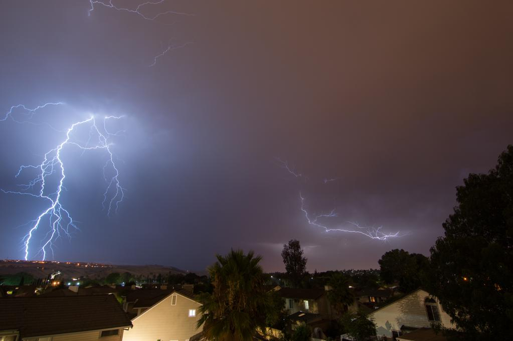 "<div class=""meta image-caption""><div class=""origin-logo origin-image none""><span>none</span></div><span class=""caption-text"">Hundreds of lightning strikes lit up the sky all across the Bay Area on Thursday, August 6, 2015. (Photo submitted to KGO-TV by ahdez91/Twitter)</span></div>"