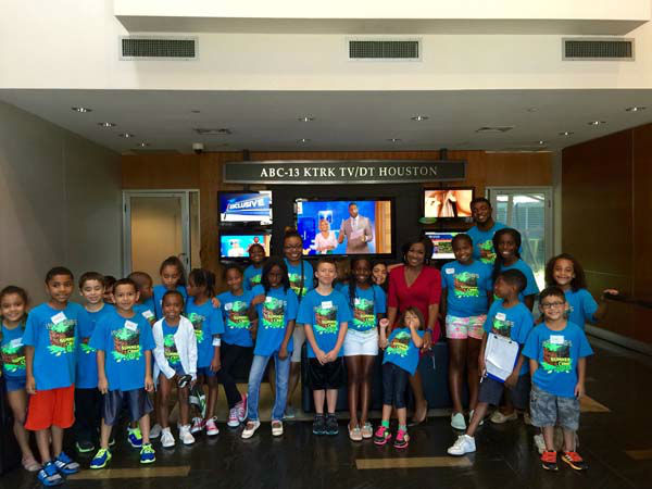 """<div class=""""meta image-caption""""><div class=""""origin-logo origin-image none""""><span>none</span></div><span class=""""caption-text"""">These pint-sized viewers came for a tour of our station (KTRK Photo)</span></div>"""
