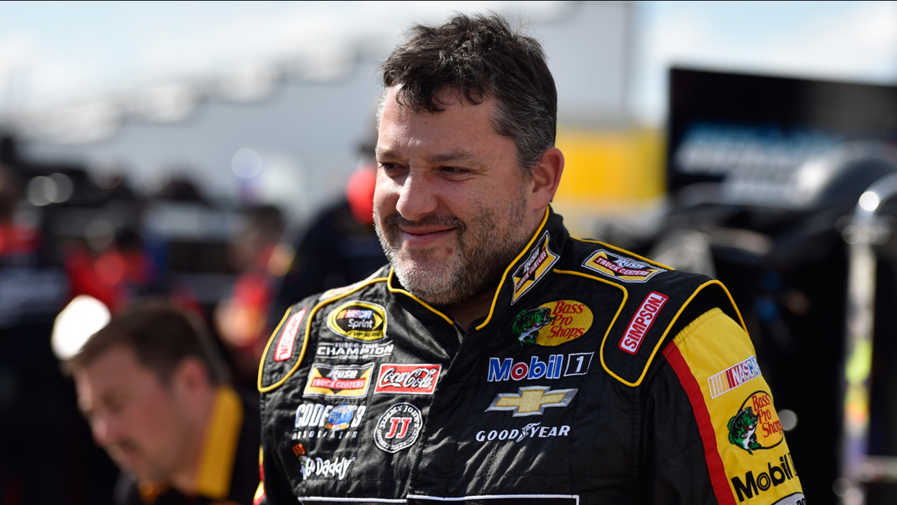 Tony Stewart during qualifying for the NASCAR Pocono 400 auto race, Friday, July 31, 2015, in Long Pond, Pa.
