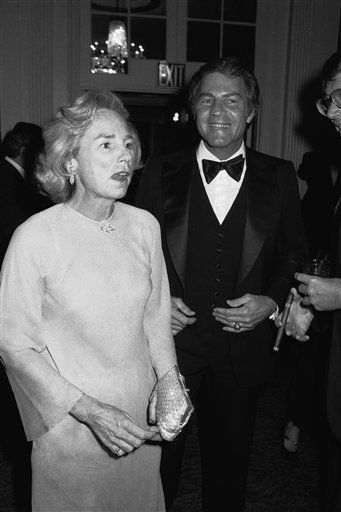 "<div class=""meta image-caption""><div class=""origin-logo origin-image none""><span>none</span></div><span class=""caption-text"">Ethel Kennedy, widow of the late Sen. Robert Kennedy and Frank Gifford arrive for the reception prior to the All Sport Hall of Fame Dinner  in 1977.    (AP Photo/RED) (AP Photo/ Richard Drew)</span></div>"