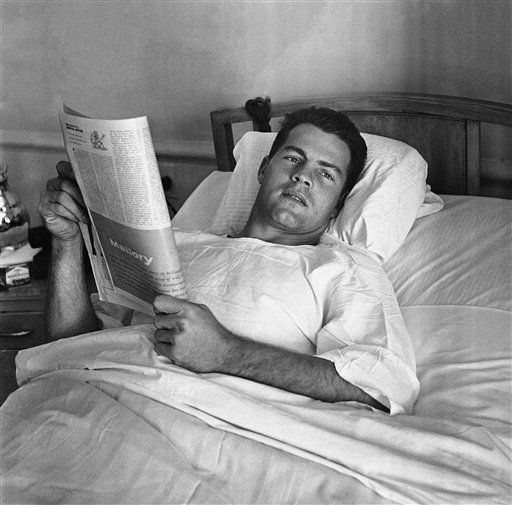"<div class=""meta image-caption""><div class=""origin-logo origin-image none""><span>none</span></div><span class=""caption-text"">Frank Gifford in bed at St. Elizabeth's Hospital, New York, on Oct. 26, 1959 after examination for injuries sustained in play against the Steelers.  (AP Photo/Harry Harris) (AP Photo/ Harry Harris)</span></div>"