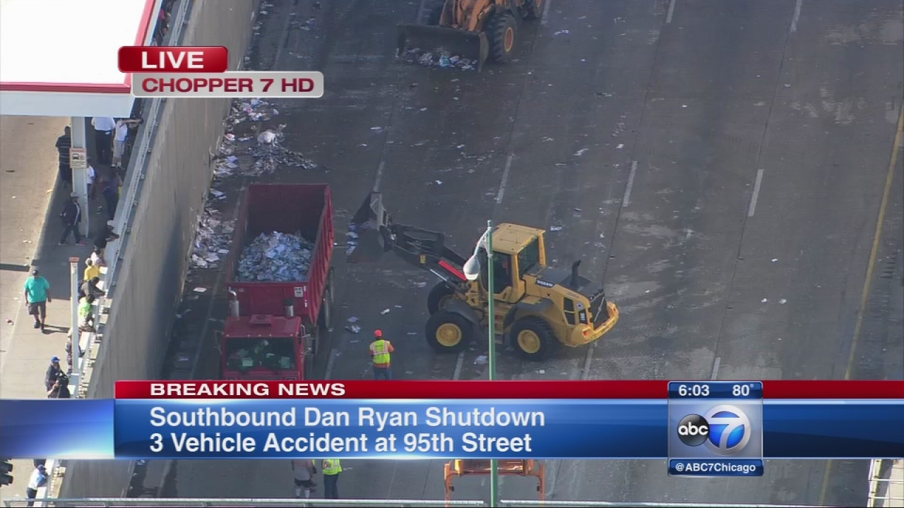 VIDEO: Crews clean up trash spill that led to Dan Ryan