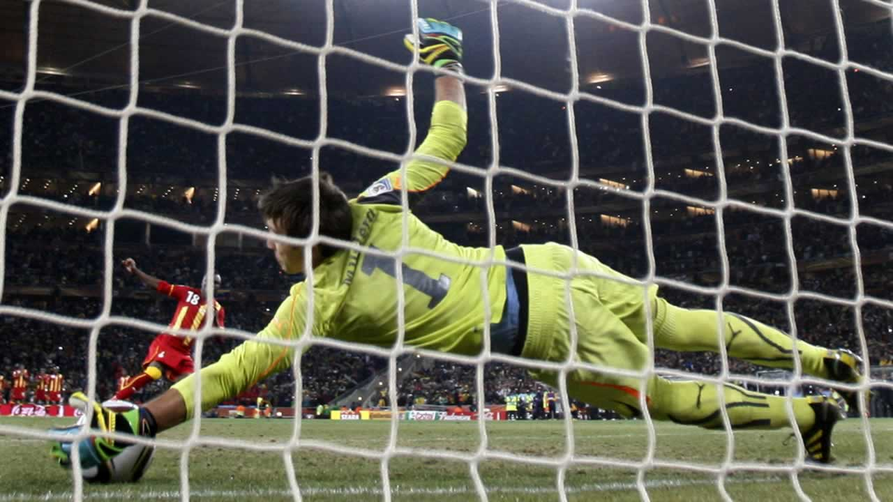 "<div class=""meta image-caption""><div class=""origin-logo origin-image ""><span></span></div><span class=""caption-text"">Ghana's Dominic Adiyiah fails to score on a shootout penalty past Uruguay goalkeeper Fernando Muslera during the World Cup quarterfinal soccer match between Uruguay and Ghana. (AP Photo/Luca Bruno)</span></div>"