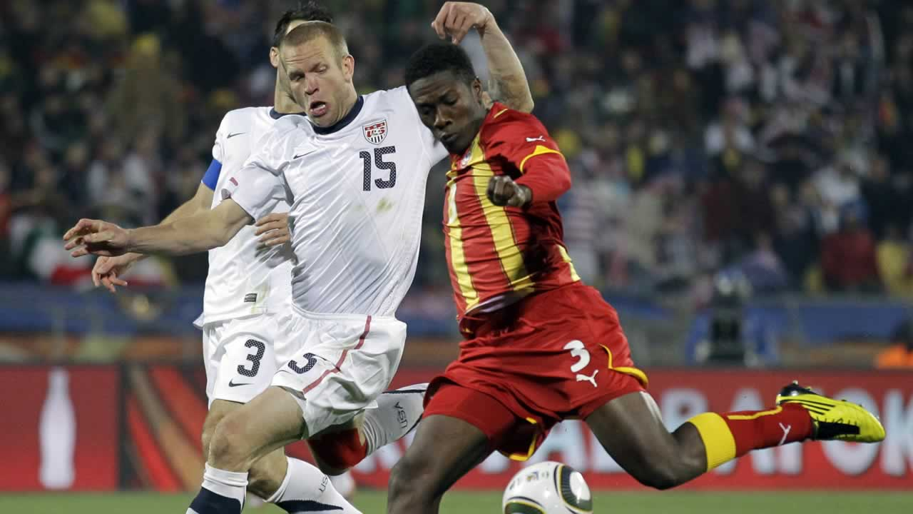 "<div class=""meta image-caption""><div class=""origin-logo origin-image ""><span></span></div><span class=""caption-text"">Ghana's Asamoah Gyan scores a goal during the World Cup round of 16 soccer match between the United States and Ghana (AP Photo/Matt Dunham)</span></div>"