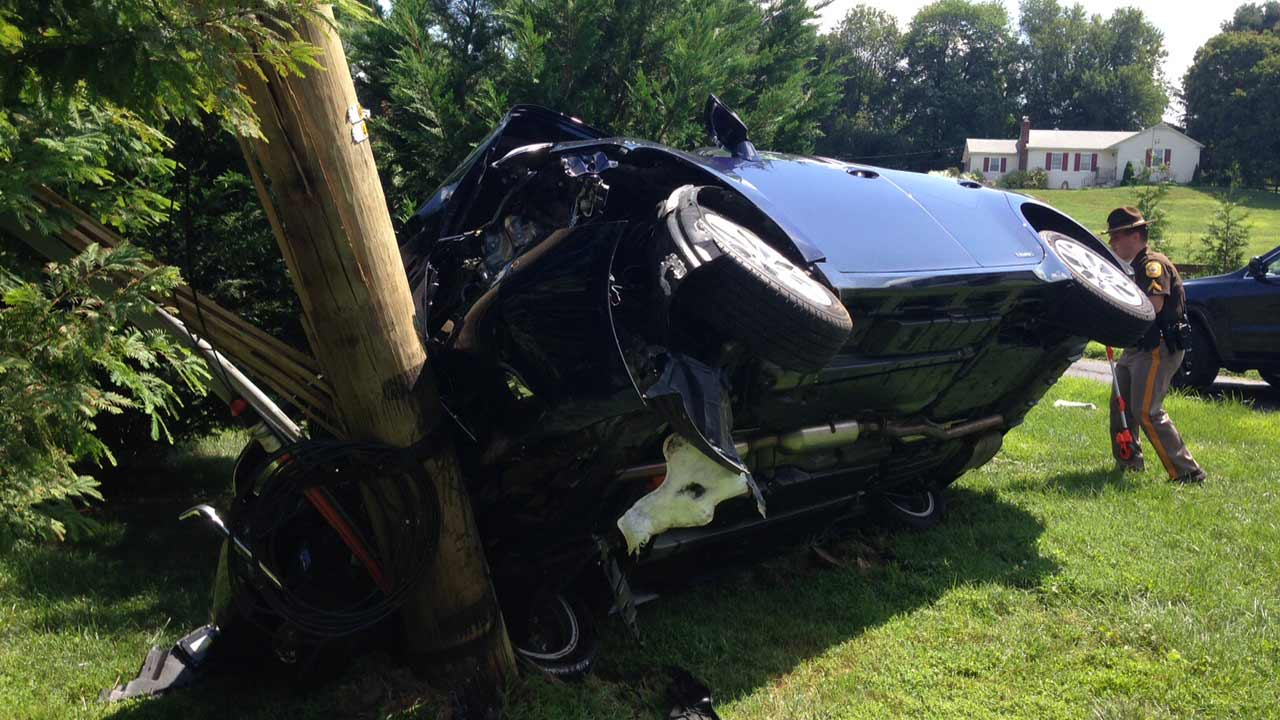 Car hits utility pole in Hockessin, Delaware