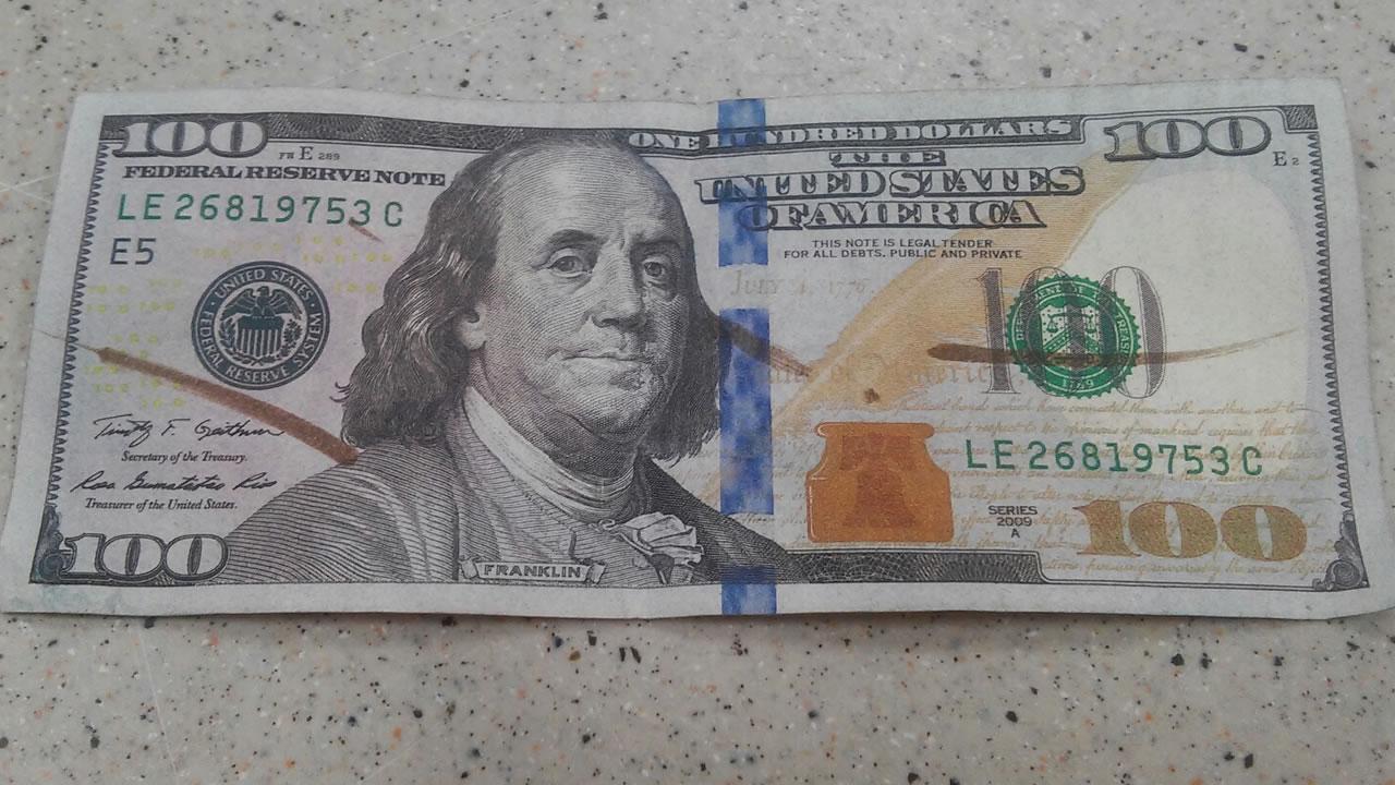 Walmart gives customer fake money   abc11 com
