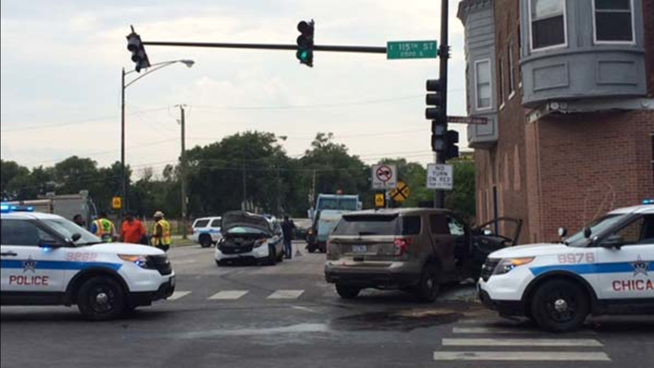 4 Chicago police officers injured in crash near 115th, State