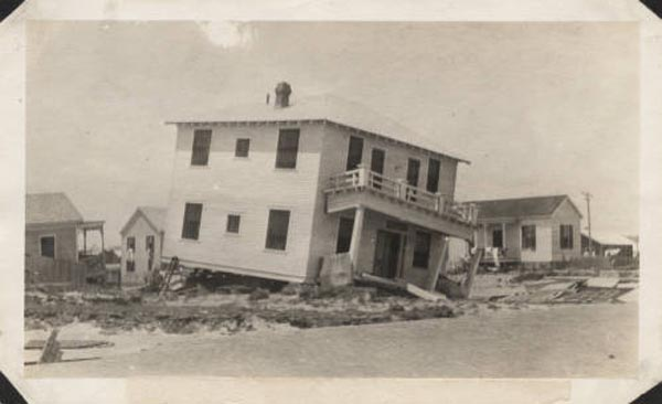 "<div class=""meta image-caption""><div class=""origin-logo origin-image none""><span>none</span></div><span class=""caption-text"">Partially demolished houses on the east end of Galveston. (Photo/Special Collections, University of Houston Libraries)</span></div>"