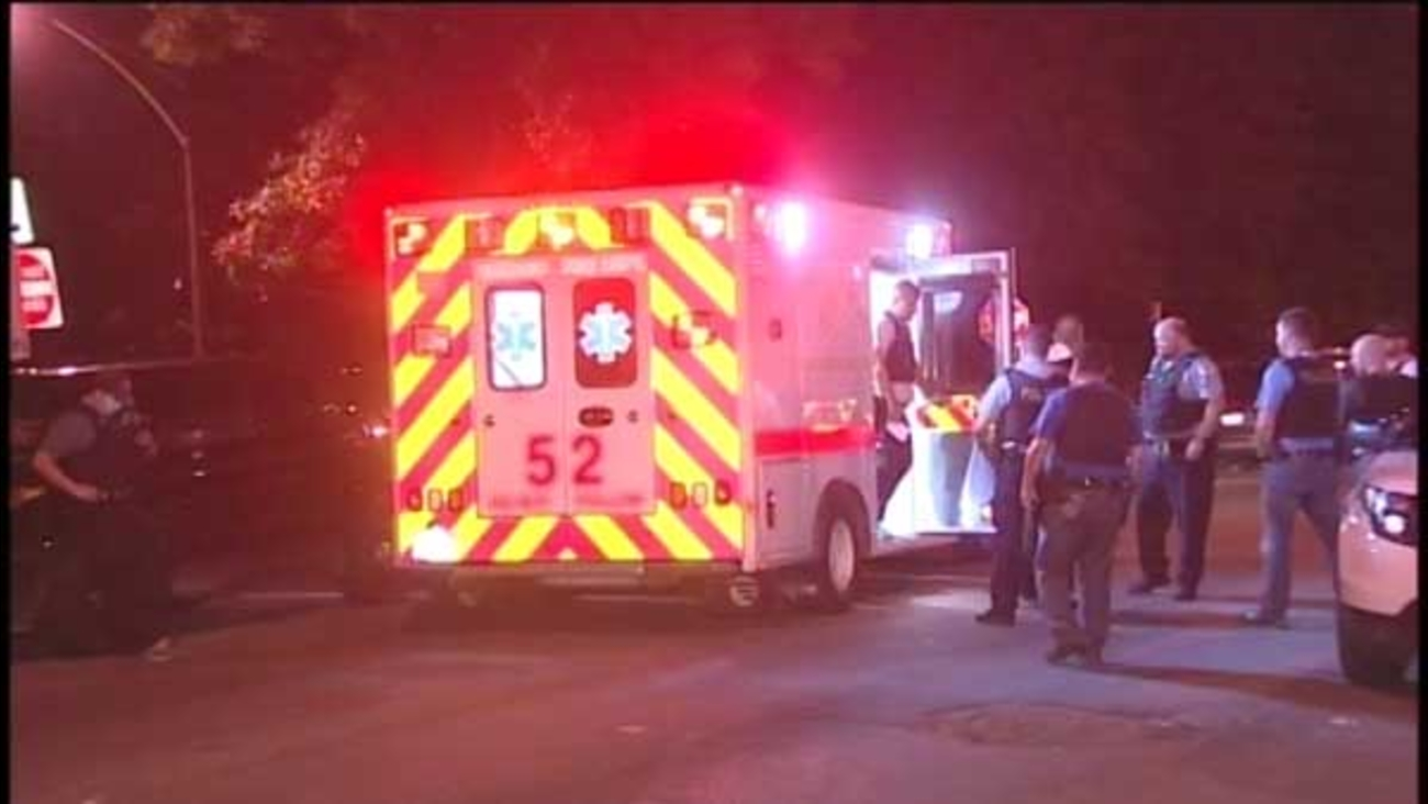 A construction worker was shot and robbed in Chicago's Humboldt Park neighborhood, police said.