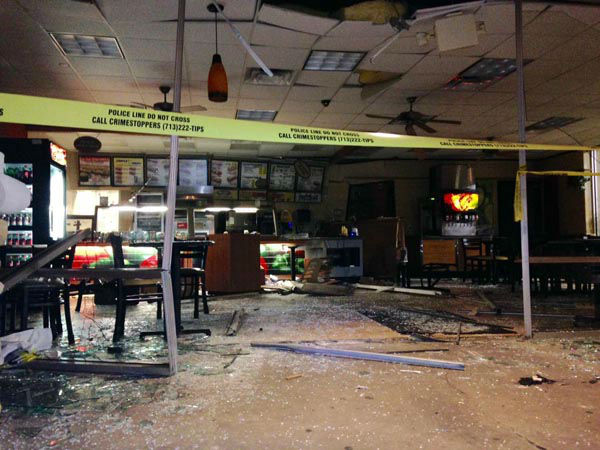"<div class=""meta image-caption""><div class=""origin-logo origin-image none""><span>none</span></div><span class=""caption-text"">Thieves smashed their way into a Subway restaurant leaving a mess behind for the owners. It's not clear if they stole anything. (KTRK Photo)</span></div>"