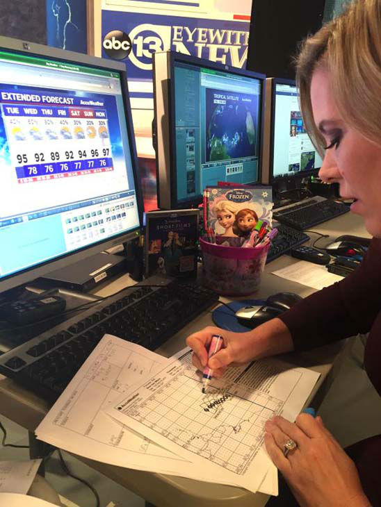 """<div class=""""meta image-caption""""><div class=""""origin-logo origin-image none""""><span>none</span></div><span class=""""caption-text"""">Casey Curry using Frozen markers to make the weather more fun (KTRK Photo)</span></div>"""