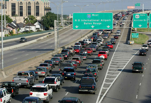 """<div class=""""meta image-caption""""><div class=""""origin-logo origin-image none""""><span>none</span></div><span class=""""caption-text"""">Interstate-10 westbound out of New Orleans continues to be jammed with traffic as residents evacuate ahead of Hurricane Katrina on Sunday, Aug. 28, 2005. (AP Photo/ DAVE MARTIN)</span></div>"""