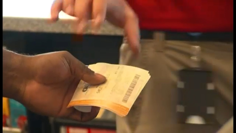 Powerball Jackpot 470m For Saturday No Winner In Mega Millions Abc7 New York