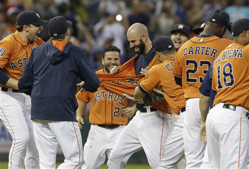 "<div class=""meta image-caption""><div class=""origin-logo origin-image none""><span>none</span></div><span class=""caption-text"">Houston Astros starting pitcher Mike Fiers, center, is mobbed by teammates after his no-hitter (AP Photo/ Pat Sullivan)</span></div>"